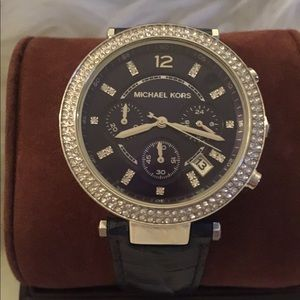 Michael Kors Navy Leather (2384) Watch rhinestones